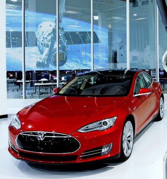Tesla S EV
