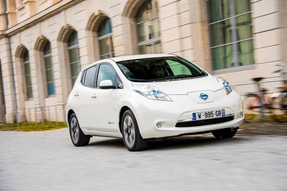 nissan_LEAF White